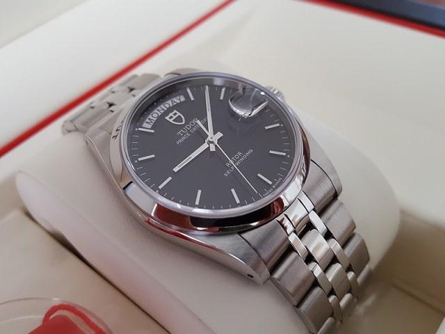 時計を高く売る方法 とは コツ